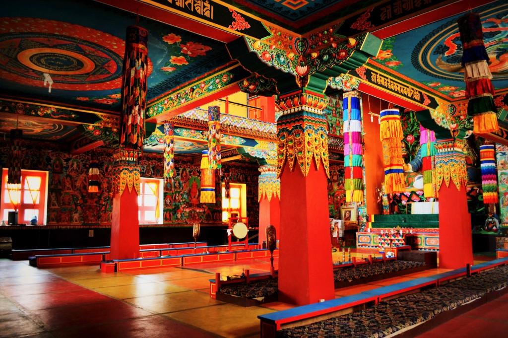 khinmey-monastery-interior-cs-e1401957849807