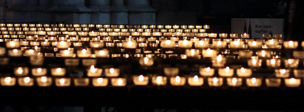 candles-337559_1280